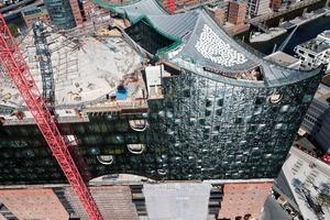 """Nur die """"Hutspitze"""" des Großen Konzertsaales besteht aus der Betonfertigteilkonstruktion, alle anderen Dachbereiche wurden mit Ortbeton erstellt"""