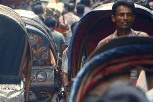 Die Explosion der Städte verlängert die Reisewege ... Fahrradrikschas werden damit verdrängt