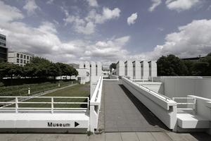 Westansicht Bauhaus-Archiv und Blick auf den Bauplatz demnächst vielleicht