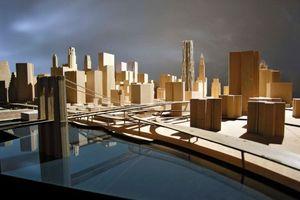 Der Turm im Modell ... vorne links die Brooklyn Bridge<br />