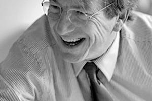 """<div class=""""fliesstext_vita""""><strong>Wytze Patijn</strong><br />1947geboren<br />Studium an der TU Delft/NL<br />1987Gründung seines eigenen Büros<br />1993-1995Professur für Architektur an der </div><div class=""""fliesstext_vita"""">TU Delft/NL<br />5 Jahre lang war er Regierungsbaurat<br />Von 1998 - 2006 Direktor von KuiperCompagnons zusammen mit Ashok Bhalotra </div><div class=""""fliesstext_vita"""">Von 2006 - 2010 Dekan der Architekturfakultät von Delft/NL<br />Zur Zeit ist er beratend an der Entwicklung einer neuen Architekturfakultät in Delft/NL tätig und ist Stadtbaurat der Stadt Delft/NL</div>"""