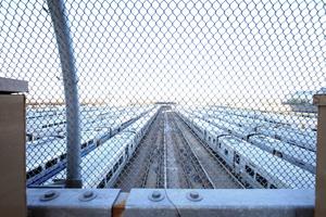 """Blick auf das Gleisfeld, das demnächst ebenfalls überbaut wird. U. a. mit dem superteuren """"50 Hudson Yards"""" von Foster * Partners. Hinter dem Fotografen die Rohbauten auf der """"eastern Platform"""""""