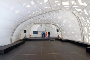 """Biennale-Pavillon """"White Noise"""" von Innen<br />"""
