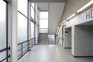 Treppenraum vor den Hörsälen