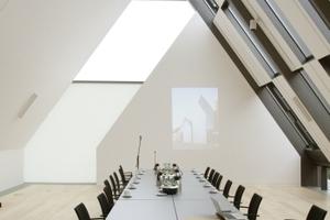 Multifunktionssaal im Giebeldach<br />