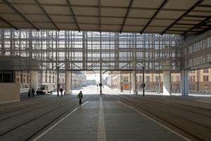 Öffnung der Halle mit ihrem Binnenlegen in den Stadtraum