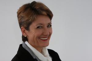 Die Vizepräsidentin vom Bund Deutscher Innenarchitekten (BDIA) Claudia Schütz lenkt den Fokus auf den Innenraum.