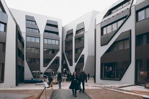 """Neubau """"Sonnenhof"""", Jena Architekt: J. MAYER H. und Partner, Architekten, Berlin Bauherr: Wohnungsgenossenschaft """"Carl Zeiss"""" e. G., Jena Fertigstellung: Februar 2014"""