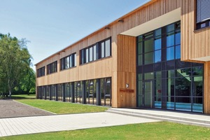Forstschule Rottenburg: Nahezu alle Fassadenkonstruktionen und -materialien sind auch in Modulbauweise zu realisieren