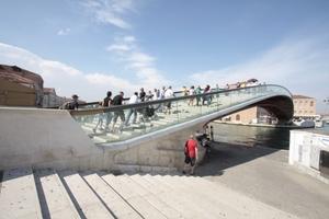Architekturbiennale 2012: Calatravas Brücke ins Herz der Stadt