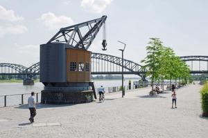 Der Charakter des Hafens und die noch ältere Funktion als Erholungsgebiet der Kölner, beeinflusste das Entwurfskonzept für die Außenbereiche
