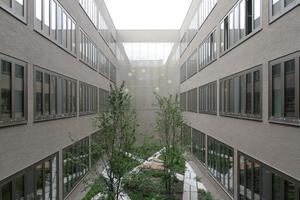 Innenhof, Blick zur Leseterrasse