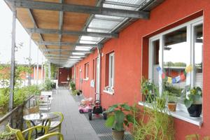 """Gutes Beispiel für zur Kommunikation: nutzbare Laubengänge, Beispielprojekt """"WohnreWir Tremonia – Generationenwohnen in Dortmund"""""""