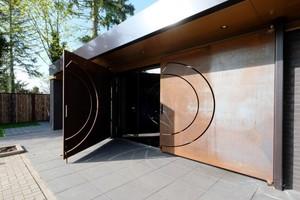"""Aus einer Bankfiliale wird eine hochwertige Gastronomie – Restaurant """"Tresor"""" von IF- architecture aus Hannover"""