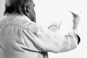Oscar Niemeyer (1907-202) wie immer zeichnend