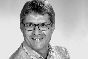 """<div class=""""fliesstext_vita""""><strong>Christian Bonik GmbH Fassadenberatung</strong></div> <div class=""""fliesstext_vita"""">www.cbfassadenberatung.de</div> <div class=""""fliesstext_vita"""">Christian Bonik wurde 1962 geboren. Nach seiner Meisterprüfung zum Metallbaumeister arbeitete Bonik als Bauleiter und Projektmanager an verschiedenen Fassadenprojekten. Danach schloss er ein Studium zum Betriebswirt ab. Seit 1997 ist er selbstständiger Fassadenberater mit seinem Büro b+p GmbH in Bensheim, das mittlerweile unter Christian Bonik GmbH Fassadenberatung (CBF) firmiert.</div>"""