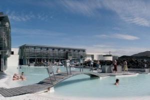 Geothermisches Spa Blaue Lagune, Rundblick, Grindavík, Reykjanes-Halbinsel, Sigrídur Sigthórsdóttir für VA Arkitektar, 1995–98/2005–07