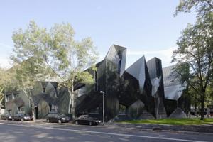 2011 gewann Manuel Herz für die Fassadengestaltung des jüdischen Gemeindezentrums in Mainz den Deutschen Fassadenpreis