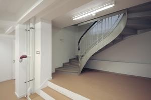 Treppenhaus Altbau, hier geht es in die Magazinräume.