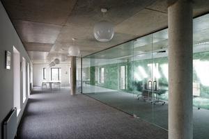 Dr Bauherr nutzt die oberen Etagen für seine Büroräumlichkeiten