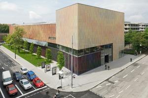 Museum Brandhorst in unterschiedlichem Farbmuster. Nordansicht, Kopfbau mit Eingang<br />