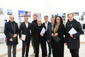 Juryrundgang 23. Februar 2016, der Gewinner steht fest! v. l.: Harald Kloft, Christian Heuchel, Gerhard Wittfeld, Brian Coday, Christoph Gengnagel, Hartmut Miksch, Lamia Messari-Becker, Burkhard Fröhlich