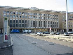 Flughafen Tempelhof, 1934 - Ernst Sagebiel