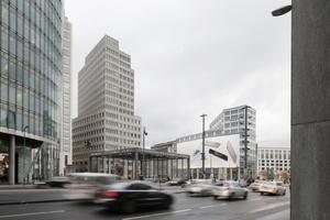 Wird nach Jahren ersetzt: die Fassadenattrappe Ecke Leipziger Platz