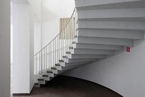 Schlicht schön: die Treppe aus den Fünfziger Jahren