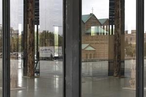Innen Säulen, außen Stützen