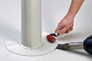 So wird fachgerecht eine Rohrdurchführung, in diesem Fall mit einer Kunststoffbahn, eingedichtet