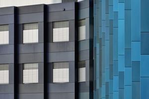 Die primäre Fassadenfarbe des jeweiligen Fingers findet sich in der Wandfarbe der Flure,Treppenhäuser und Einbauten wieder<br />