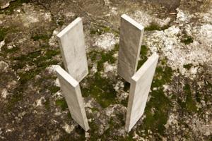 Einfache Lösung: Eine offene Kapelle, bestehend aus vier Betonplatten, am Pilgerweg Ruta del Peregrino in Mexiko