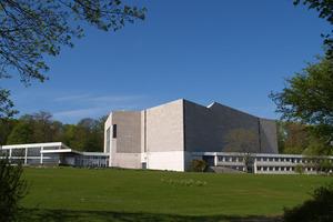 Tagungsort: das Stadttheater von Hans Scharoun in Wolfsburg