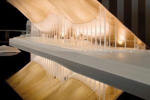 Designtoproduction (Schweiz) erstellte detaillierte Fertigungspläne der Fassade auf. Das Vorfertigungs-und Montagekonzept wurde mit den Tragwerksplanern von SJB, den Holzbauern von Blume-Lehmann und den Bootsbauern der Risor Ttrebatbyggeri entwickelt<br />
