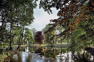 Abb. 2: Der Park wird als Landschaft erhalten und ist die Grundlage der Planung