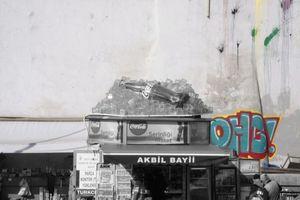 Clash of Cultures? Internationale Label besetzen öffentlichen Stadtraum und gestalten ihn mit.