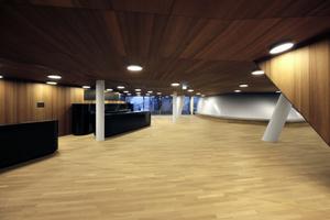Foyer Kleiner Saal mit Bar hier ohne Presse
