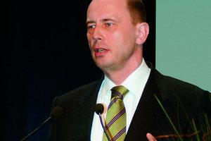 Gern gesehener Gast und mitreissender Redner: Bundesminister Tiefensee auf der BAU
