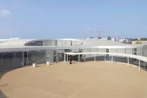Unter dem Dach des Rolex Learning Centers sind Einheiten für Studium, Lehre, Forschung, sozialen Austausch, Unterhaltung und Verwaltung vereint<br />