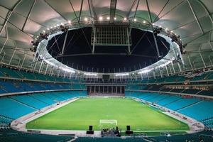 Die Hufeisenform des Stadions erlaubt eine gute Durchlüftung