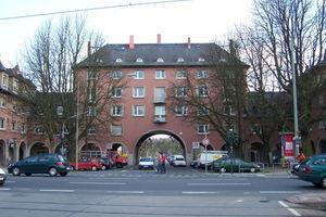 Torhaus Schäfflestr. Siedlung Riederwald