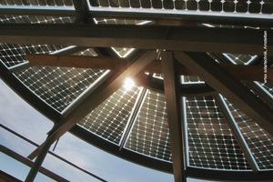 Sonnenschutz mit PV-Modulen