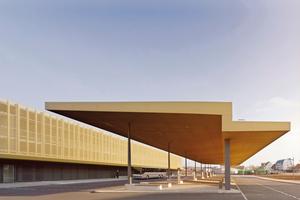 Gewinner des BDA Preis Bayern 2013: Busbahnhof + P+R-Gebäude, Nördlingen; Architekt: MORPHO-LOGIC Architektur + Stadtplanung,  München; Bauherr: Stadt Nördlingen