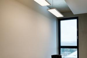 """<div class=""""13.6 Bildunterschrift"""">Die Beleuchtung im Technologie- und Gründerzentrum Würzburg erfüllt nicht nur funktionale Ansprüche, sondern unterstützt auch den Biorhythmus der Menschen, die dort arbeiten</div>"""