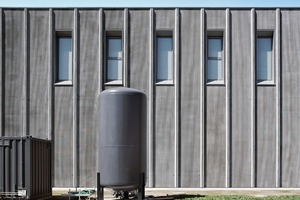 Fassadenelemente aus mikrobewehrtem UHPC-Beton