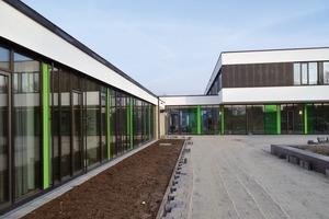 Nachher: Die Verwaltung und der Neubau sowie die Magistrale
