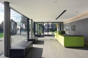 Ein funktionaler Grundriss mit je einem zentralen Foyer- und Badzugang erleichtert die Orientierung