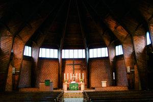 Der Schöpfer dieser noch heute wunderbaren Notkirche in Münster, Otto Bartning, steht mit seinem Namen für Hochschulqualität; oder einen Preis