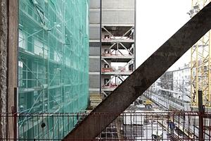 Blick aus dem nördlichen Treppenturm, auch auf die Baustelle der Ergänzung (Forster Architekten)